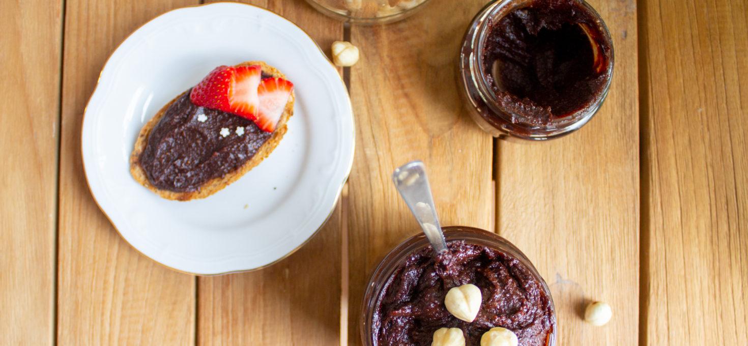 Más allá de la nutella – crema de avellana con dátiles y cacao